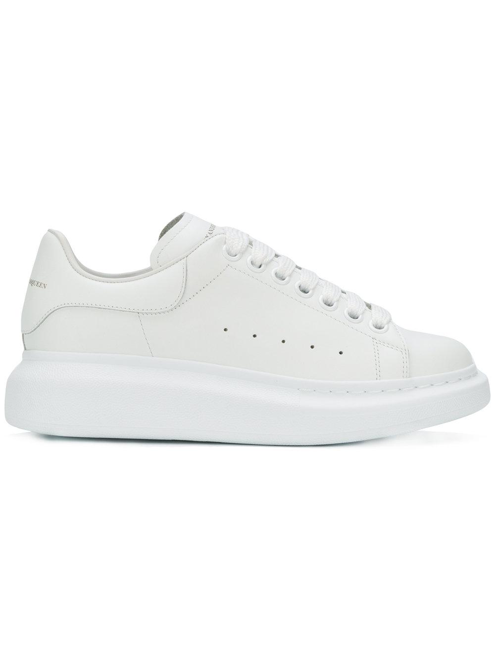 fb2953d81 Alexander McQueen кроссовки на увеличенной подошве - Glami.ru