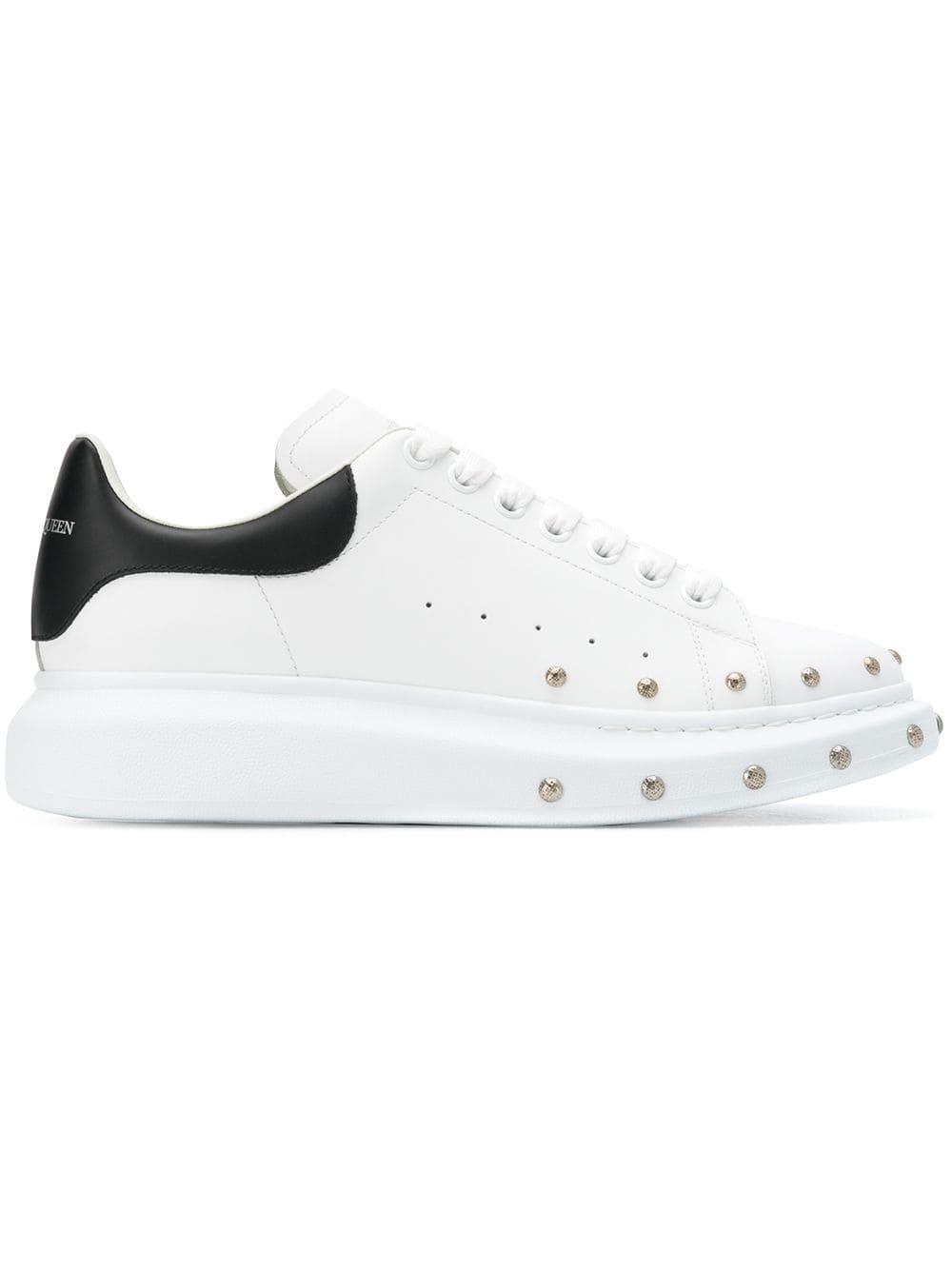 d7adf7f26 Alexander McQueen массивные кроссовки с заклепками - Glami.ru