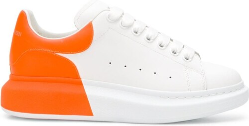 8ae2ee211 Alexander McQueen кроссовки с контрастным задником - Glami.ru